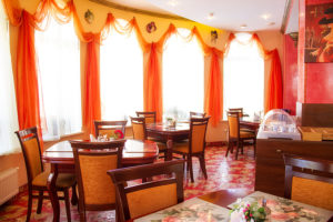 Ресторан и банкетный зал отеля Ренессанс